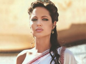 Angelina-Jolie-223