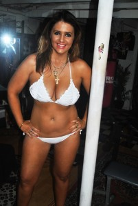 amy white bikni 160_pp